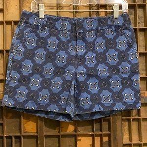 Blue patterned chino shorts
